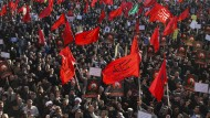 Iraner protestieren gegen die Hinrichtung eines schiitischen Geistlichen in Saudi-Arabien Anfang Januar.