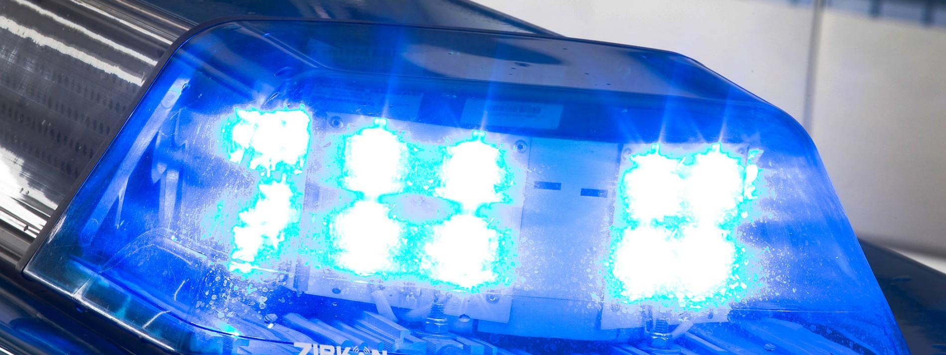 Brennender Linienbus – Polizei sucht gewalttätige Gruppe