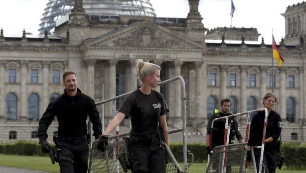 Politiker wollen verhindern, dass Aktivisten in Bundestag eindringen