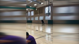 Cooler Rückwärtstreffer beim Basketball