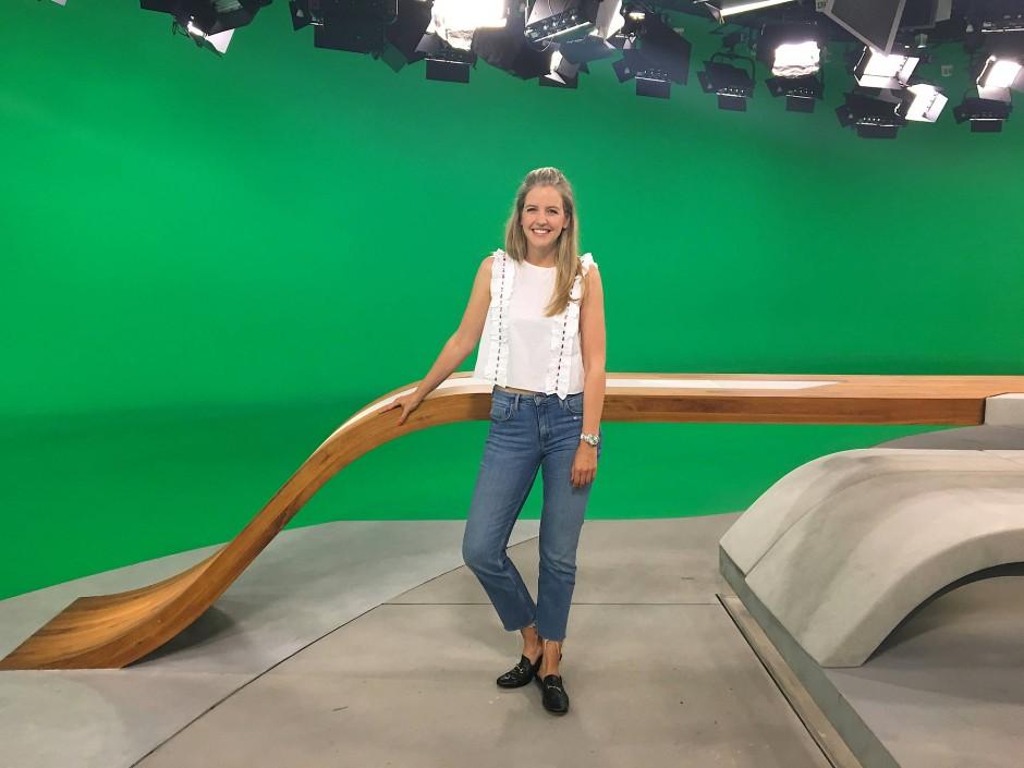 "Moderatorin Jennifer Sieglar (""logo!"") im Mai 2017 im ZDF-Studio in Mainz"