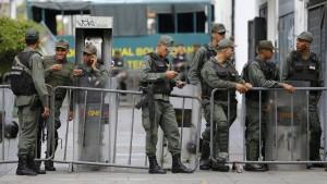 Militär versperrt Zugang zu Parlament in Caracas