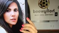 Briana Alegria mit ihrer Mappe beim Casting: Vielleicht wird es ja diesmal eine große Rolle