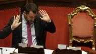 """""""Ich habe nie einen Rubel, Euro, Dollar oder Liter Wodka von Russland angenommen"""", sagt Salvini zum Vorwurf, seine Partei habe in Moskau über finanzielle Hilfe verhandelt."""