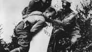 September 1939: Entfernung eines polnischen Grenzsteins