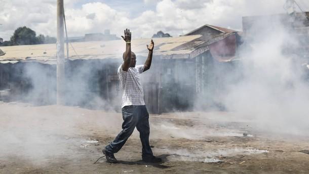 Kenias Präsident Kenyatta gewinnt umstrittene Neuwahl