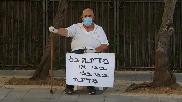 Mit Rollator und Klappstuhl gegen Netanjahu