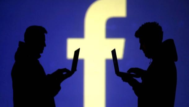 Auf Druck der Behörden: Facebook löscht Millionen extremistischer Einträge