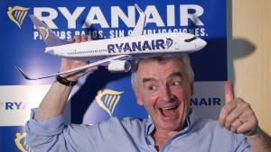 Ryanair-Chef greift an im Bieterkampf