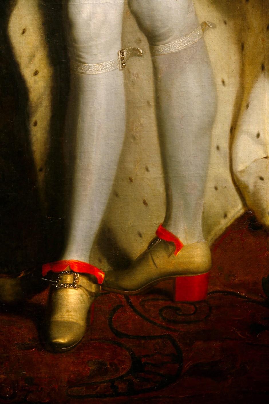Die Farbe: Louis XIV. gestattete im 17.Jahrhundert ausschließlich Angehörigen seines Hofes rote Absätze.