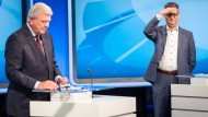 Mit oder ohne Krawatte: Amtsinhaber Bouffier mit Herausforderer Schäfer-Gümbel