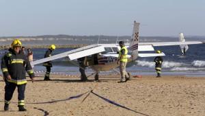 Kleinflugzeug tötet zwei Menschen bei Notlandung