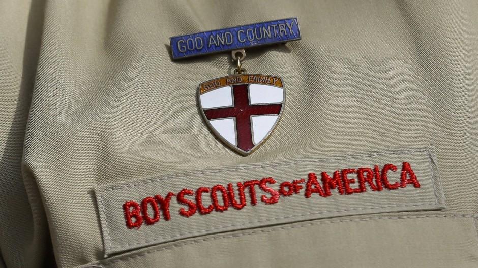 Ein Kleideraufnäher mit dem Banner der Pfadfinderorganisation Boy Scouts of America.
