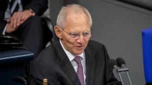 Schäuble fordert mehr Verständnis von der Öffentlichkeit