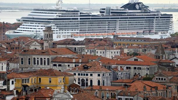Kreuzfahrtschiffe dürfen nicht mehr ins Zentrum von Venedig einlaufen