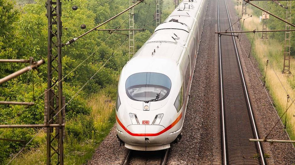 Die Fernzüge der Deutschen Bahn sind im Moment nur zu rund 20 Prozent ausgelastet.