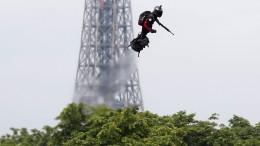 Das steckt hinter dem fliegenden Mann von Paris