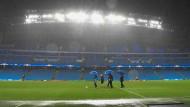 Wegen des Englischen Wetters findet die Begegnung zwischen Gladbach und Manchester erst einen Tag später statt.