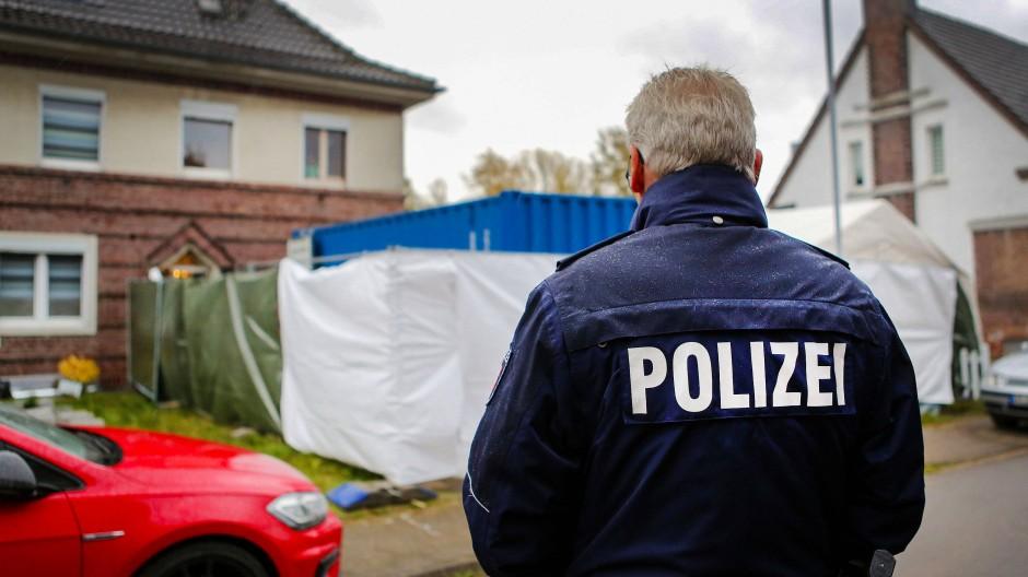 Hausdurchsuchung im Zuge des Missbrauchskomplexes von Bergisch Gladbach im November 2019