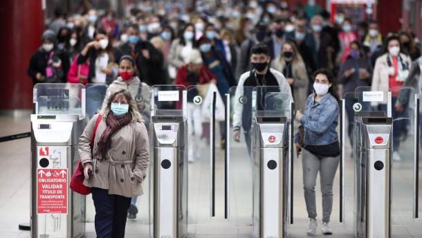 Spaniens Regierung droht für Madrid mit Notstand