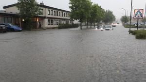 Gewitter und Unwetter halten Deutschland weiter im Griff