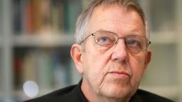 """Thomas Huber liest """"Dorlamm meint"""" von Robert Gernhardt"""