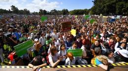 Tausende Australier demonstrieren