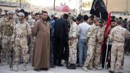 """Mobilisierung des Volkes: Freiwillige melden sich in Basra zum Kampf gegen den """"Islamischen Staat"""""""
