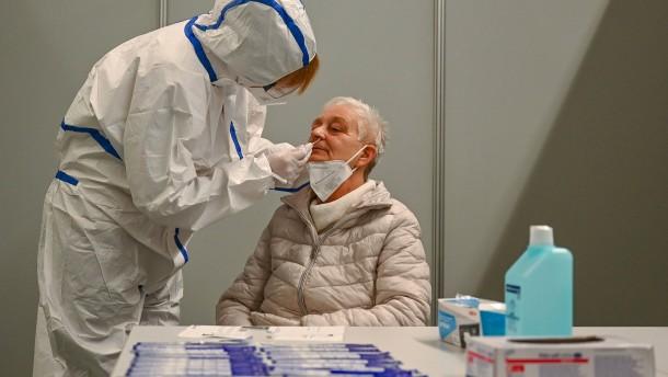 Wieder deutlicher Anstieg der Neuinfektionen und Sieben-Tage-Inzidenz