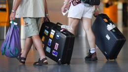 Bund prüft Reisegutscheine statt Erstattungen