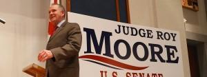 Roy Moore spricht in der Nacht zum Mittwoch zu seinen Anhängern über die Niederlage bei der Wahl in Alabama.