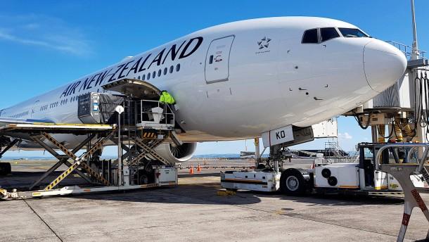 Erstes Flugzeug nach Deutschland gestartet