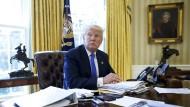 Zunehmend isoliert: der amerikanische Präsident Donald Trump im Oval Office