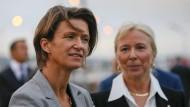 Zwei einflussreiche Frauen der französischen Wirtschaft: Die Vizepräsidentin des Energiekonzerns GDF Suez, Isabelle Kocher (l.), und die Geschäftsführerin des staatlichen Energieunternehmens CNR Eilisabeth Ayrault.