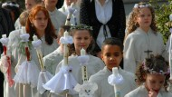 Ob die Erstkommunion ein langweiliges Pflichtereignis wird oder ein lebendiges Glaubensfest, liegt oft am Priester, und dessen Vorbereitung.