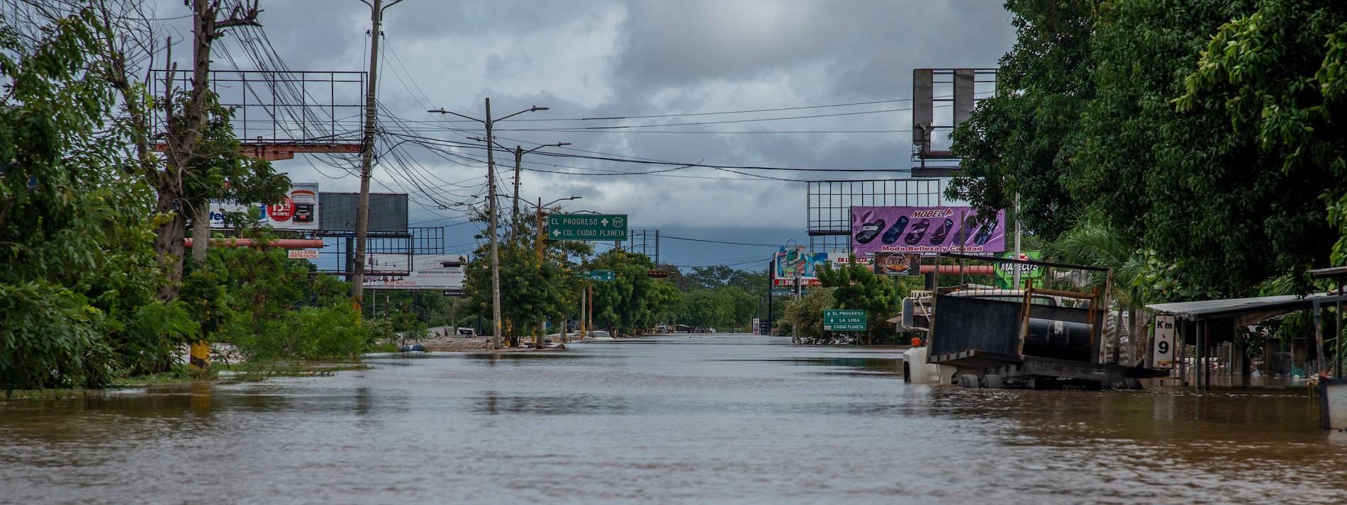 Ganze Landstriche stehen unter Wasser