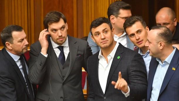 Ministerpräsident der Ukraine bietet Selenskyj Rücktritt an