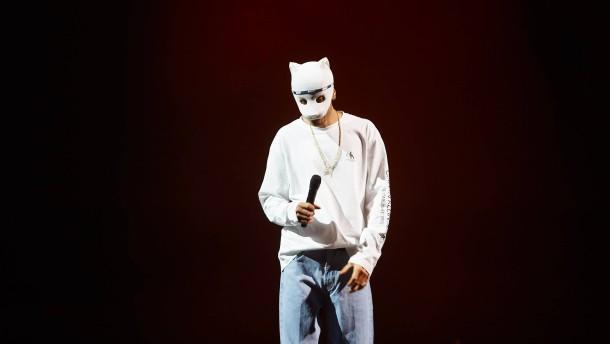 Rapper Cro beerdigt seine Maske