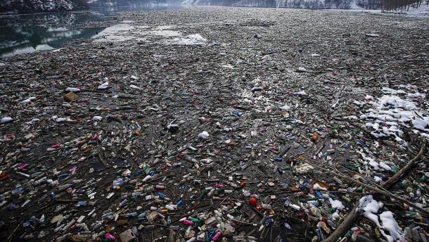 Müllproblem bedroht Gewässer am Balkan