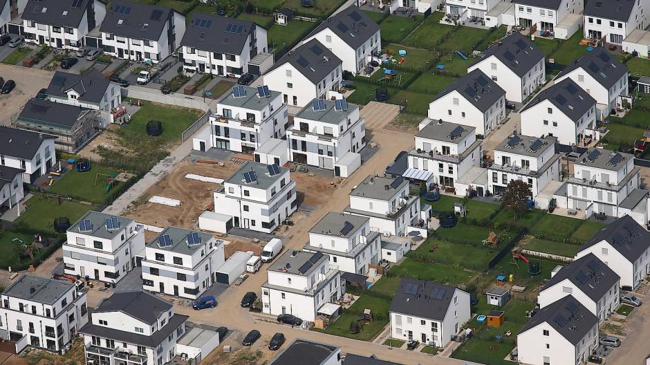 Ein Haus als Geldanlage: Was einmal verlockend klang, ist heute eine teure Angelegenheit.