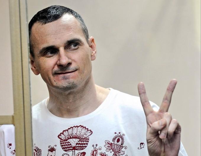 Oleg Senzow während der Verkündung des Urteils auf zwanzig Jahre Haft am 25. August 2015