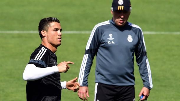 Cristiano Ronaldo kämpft für Ancelotti
