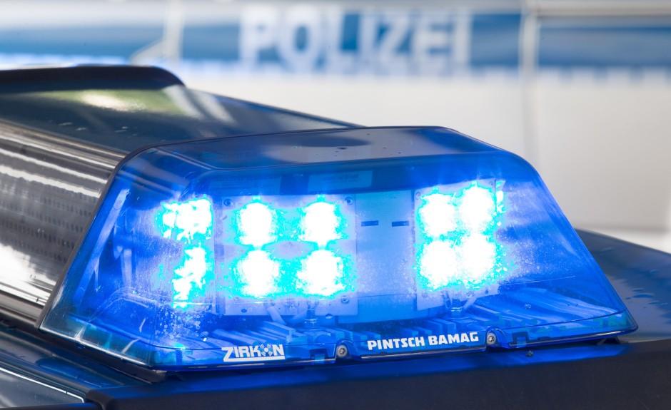 Düsseldorf: 19-Jähriger bei Schlägerei mit Flasche lebensgefährlich verletzt