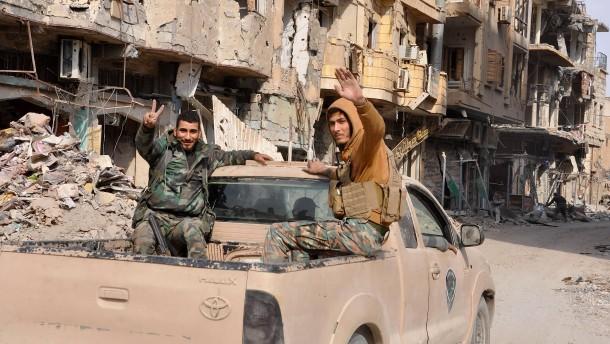 Dutzende Tote bei IS-Anschlag auf Flüchtlinge