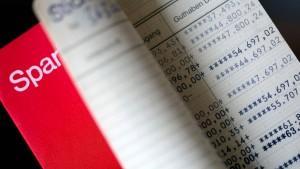 Deutsche Sparer horten in der Pandemie Rekordsummen