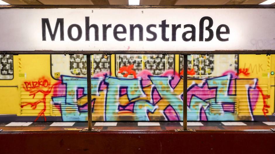 Zankapfel im neuen Streit um die richtige Benennung: die Mohrenstraße(n)