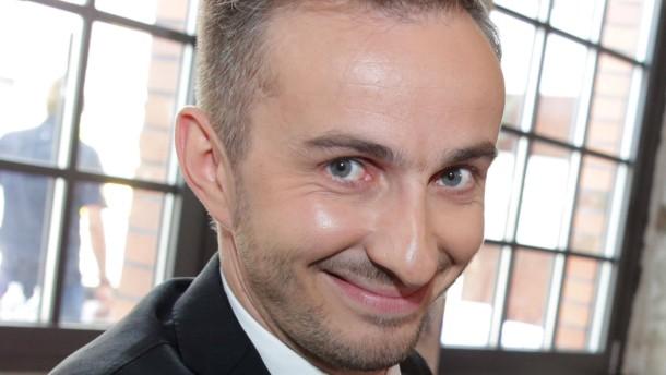 Diekmann narrt das Netz mit fiktivem Böhmermann-Interview
