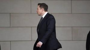 Elon Musk entschuldigt sich im Zeugenstand