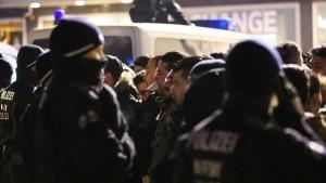 Harsche Kritik an Kölner Polizei für Nafri-Tweet