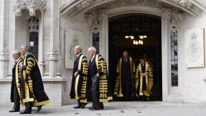 Britische Anwälte fliehen nach Irland